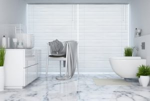 Solombra raamdecoratie aluminium jaloezieen badkamer 2