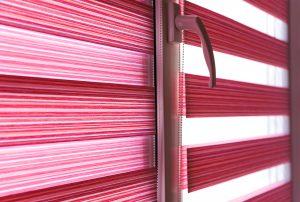 Solombra-raamdecoratie-duo-rolgordijnen-closeup
