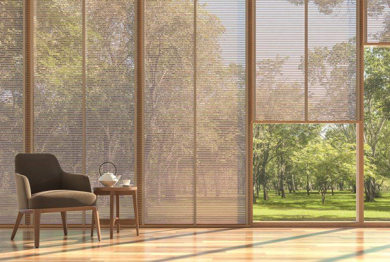 Solombra-raamdecoratie-echt-houten-jaloezieen